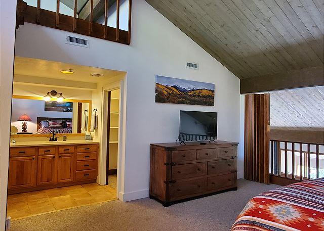 TV in King Bedroom