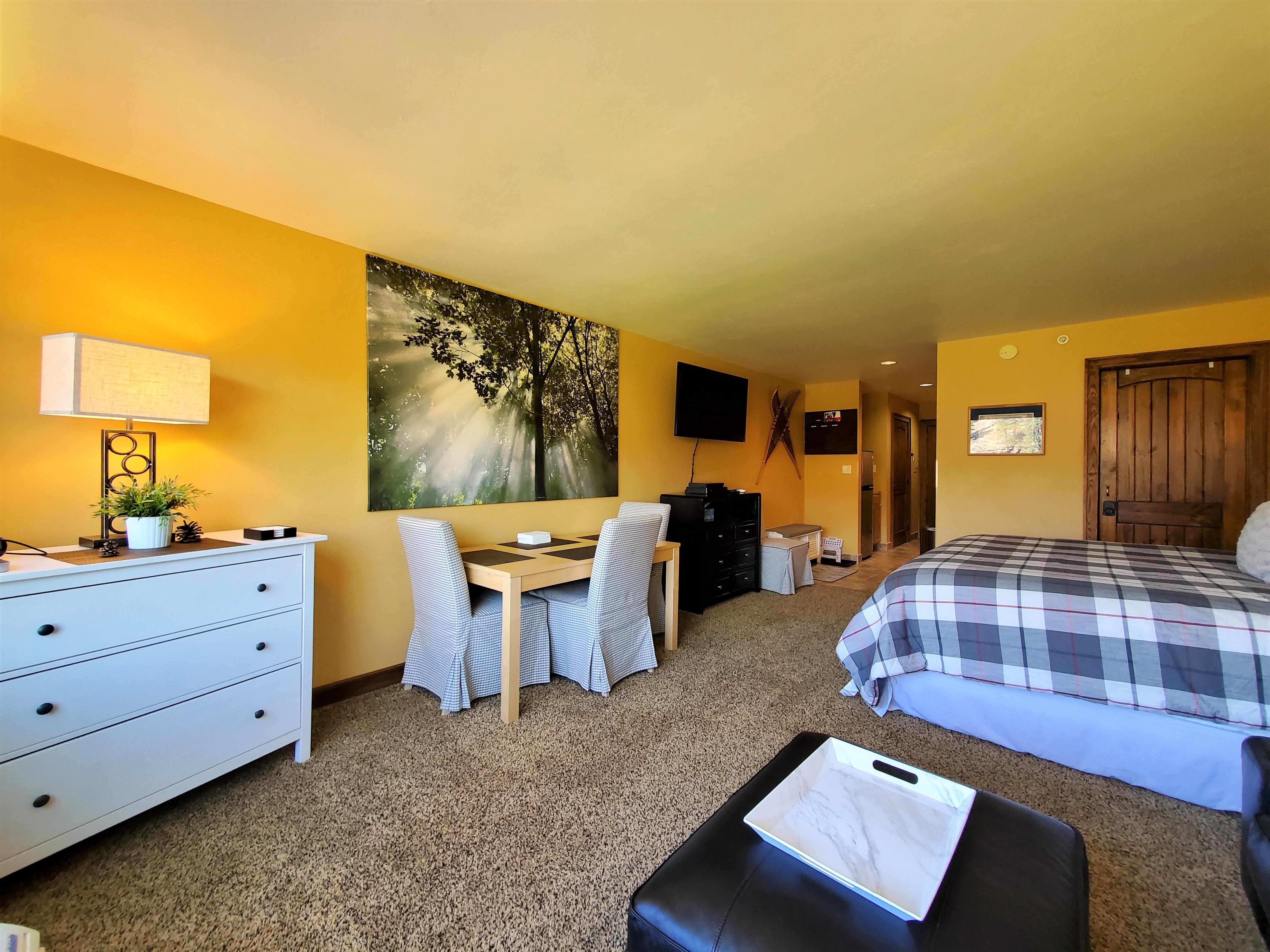 Tamarron Lodge #419 - Mtn Views - Golf - AC/Pool/Hot Tub - Ski Shuttle