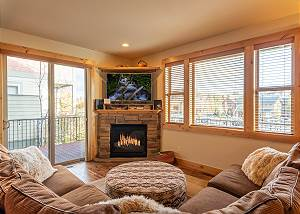 New Listing! Furnished 30+ day Rental in Old Mill ~ River Views