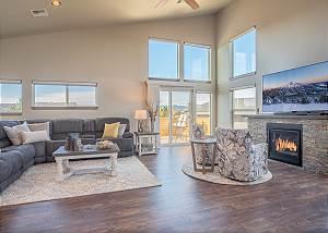 New Listing! Beautiful Mountain Views ~ Bonus Room ~ New Home