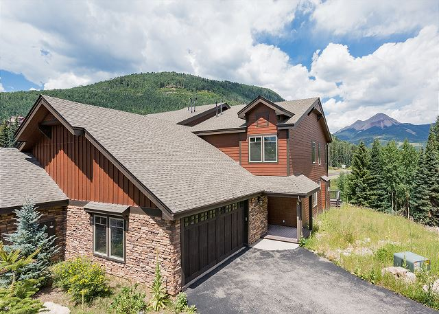 New Townhome Across from Purgatory - Awesome Views - Hot Tub - Shuttle