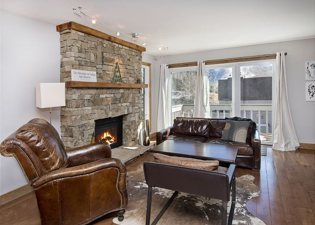 Living room with fire place.