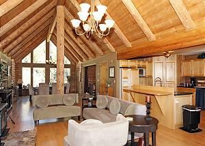 Colorado Log Home - Dramatic Mountain Views - Pet Friendly