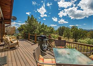 Second-Level Apartment w/Wrap Around Deck - Unmatched Views!
