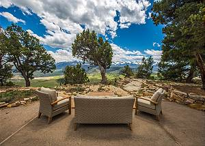 Recently Remodeled Luxury Home - Spectacular Views - Access to Trails