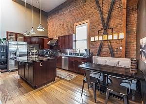 Loft in the Heart of Downtown Ouray -Tons of Natural Light - Unbeatable Views