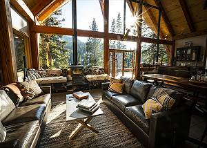 High Altitude Luxury - Secluded Alpine Lodge - Surrounded by National Forest