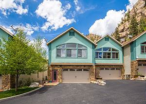 Newly Constructed Townhome - Across from Ouray Hot Springs - Walk to Downtown