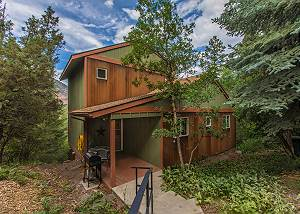 Secluded Mountainside Home-10 Mins to Ouray- Amazing Views - Wrap-Around Deck