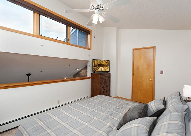2nd Bedroom - King and TV along with a desk