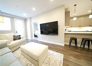 New Luxury 2 Bedroom Condo - Amazing Location - Executive Rental