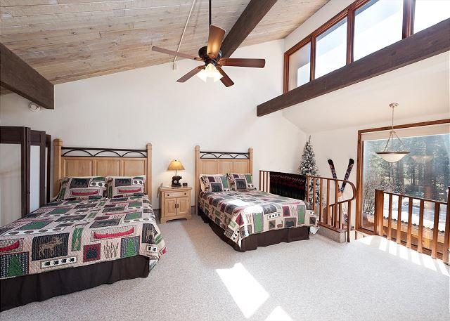 Loft Bedroom with 2 Queen Beds and TV