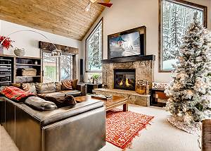 New Listing! Luxury West Vail Home - Private Hot Tub, Fire Pit, Deck/Grill