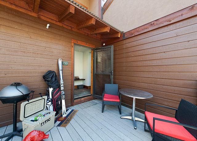 Entry Deck