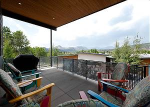 New Townhome with Awesome Views - 1 Mile to Downtown - 30+ Day Stay Required