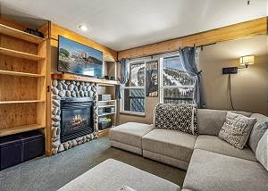 New Listing! Private Condo - Ski in Ski out at Schweitzer Mountain Resort
