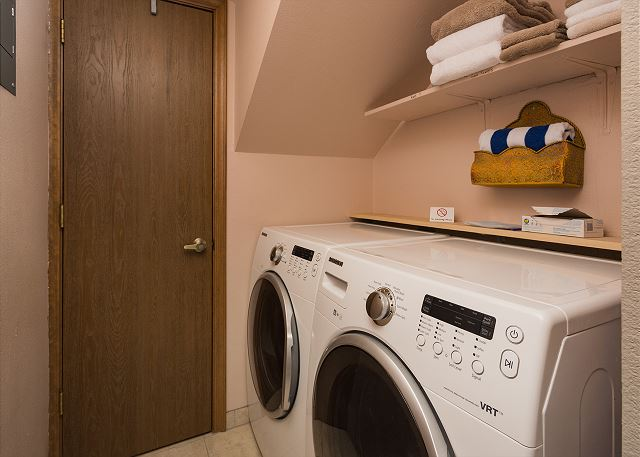 Full size washer/dryer in the townhome