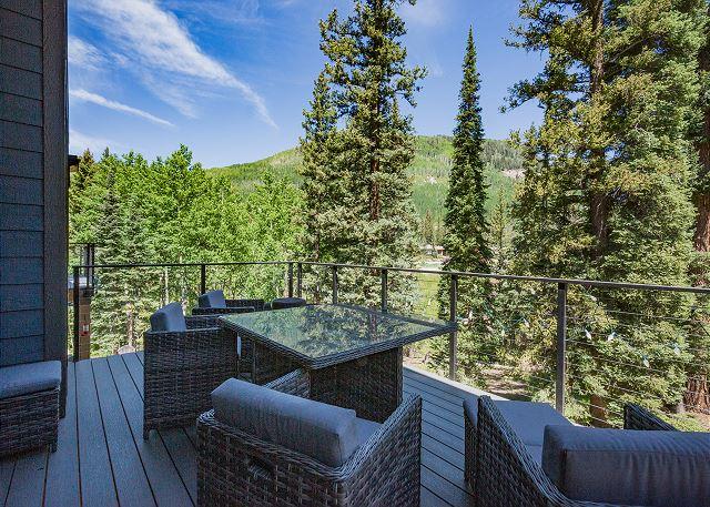 Main Deck - View across to Purgatory Ski Resort