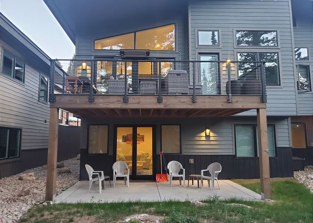 Exterior view of the back of the townhome