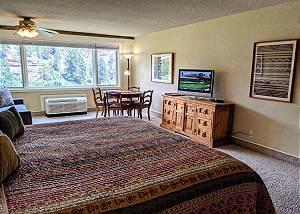 Tamarron Lodge #227 - Mtn Views - Golf - AC/Pool/Hot Tub - Ski Shuttle