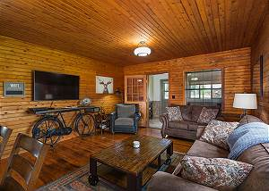 Historic updated cabin on a Ranch - 13 miles to Durango - Central AC