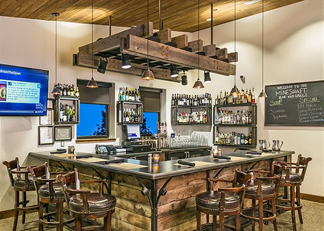 Onsite Restaurants & Bar