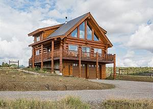 Pet Friendly Modern Cabin - 15 Minutes from Durango - Deck/Fire Pit and Views