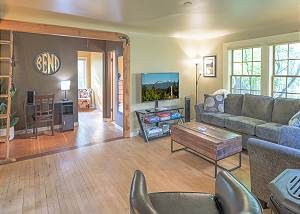 New Listing! Bend Cottage ~ Dog Friendly ~ New Furniture!