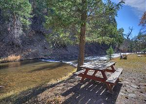 River Front Cabin on 1 acre  - 14 Minutes to Downtown Durango