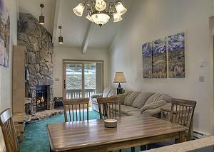 Cascade Village - Mountain Views - Free Ski Shuttle and Heated Pool