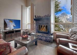 Cascade Village - Awesome Views - Heated Pool - Free Ski Shuttle