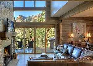 New Luxury Home - 2 miles from Purgatory - Great views and outdoor fireplace