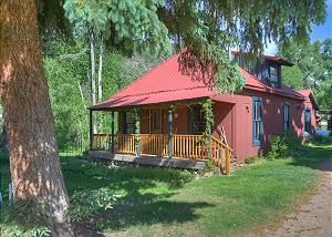 Rustic Cabin on the La Plata River