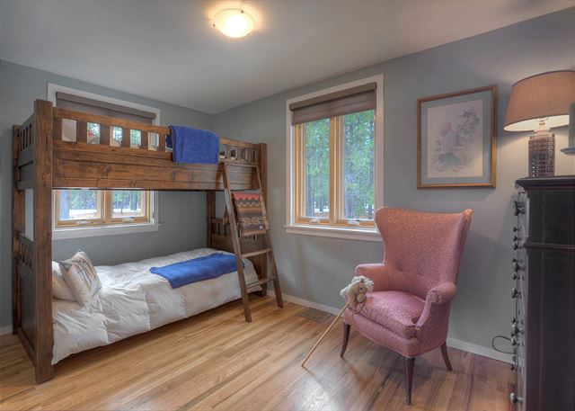 3rd Bedroom - Bunk Beds (Single over Single)