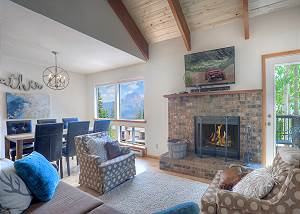 Completely Remodeled Edelweiss Townhome - Ski In/Out - Awesome Views/Deck