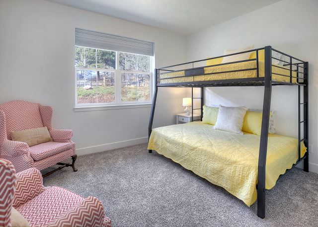 3rd Bedroom - Bunk Bed (Double over Queen)