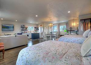 The Loft at LePlatt's - Studio Sleeps 6 - On Ranch with River and Pond
