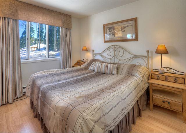 Master Bedroom - King Bed & TV