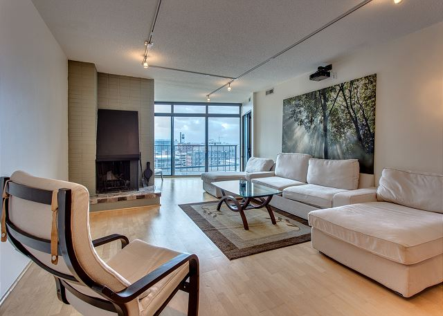 Luxurious Condo Downtown