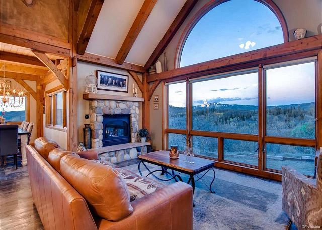 Luxurious Mountain Home on 10 Acres - Deck w/Great Views - Hot Tub/Fire Pit