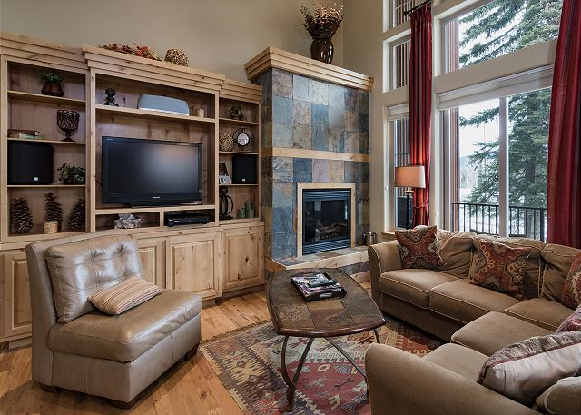 Luxury Ski In/Out townhome on Creek - Great Views - Free Night Offer