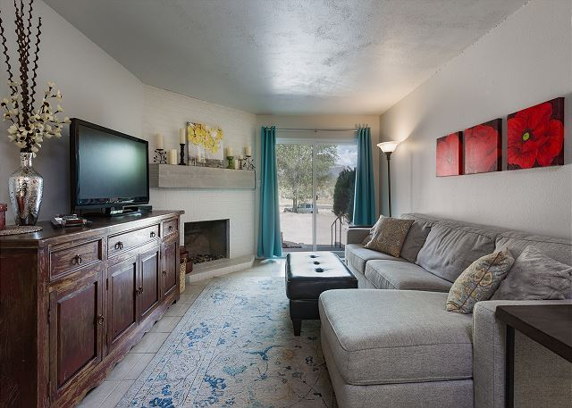 Completely Remodeled Condo - 2 Miles to downtown Durango - Free Night Offer