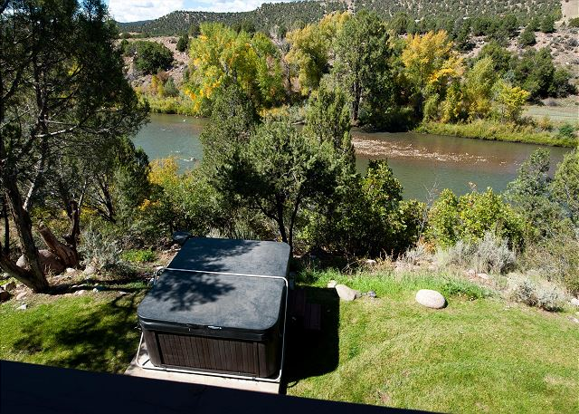 Luxury Home on the Animas River - Hot Tub, Fire Pit and Ping Pong