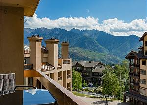 Ski in/Ski Out Condo - Corner Unit - Large Decks and Awesome Views