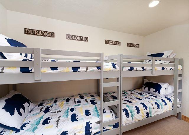 3rd Bedroom - 2 sets of Bunks (single over single)