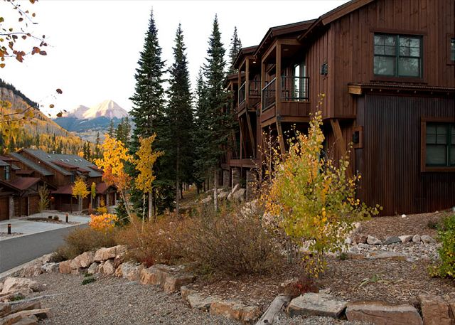 Mountain Townhome - Great Views - Free on Demand Shuttle