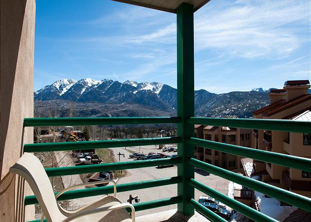 Ski in/Ski Out - Great Views - Deck - Affordable