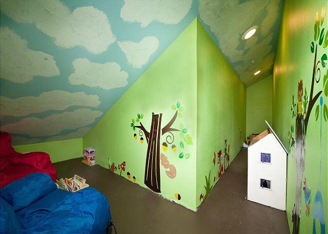 Kids playroom adjacent the bunk bed room