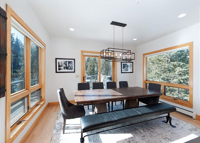 Dining Space - Seating for 10