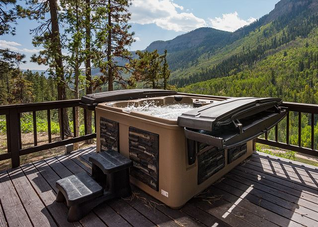 Brand new hot tub installed July 2021 - And amazing views